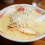 麺酒処 ぶらり - 料理写真:2016.3 鶏白湯らーめん玉子入り(930円)