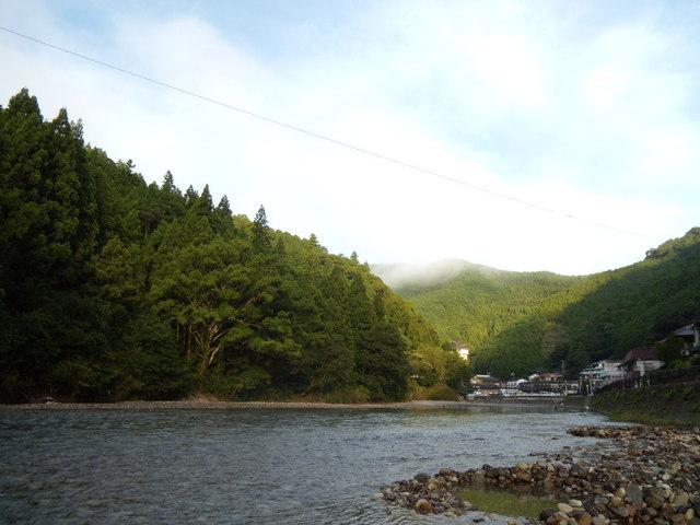 あしたの森 - 早朝の川湯温泉の風景 2011.8