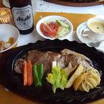 あしたの森 - 熊野牛のステーキがメインのディナー 2011.8