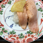 廻鮮寿し丸徳 - 炙りサーモン  195円