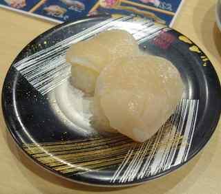 お魚天国 - 生ホタテは分厚く甘みがあって絶品。