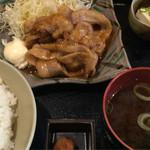 味処 道 - 料理写真:豚生姜焼き定食