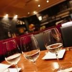 調布ワインバルBiBBER - 甲州ワイン3種飲み比べ
