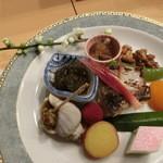 利光 - 焼き物は「まながつお」を中心に、品沢山の一皿。これだけでも満足感がある!