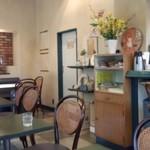 48771406 - どう見ても喫茶店の店内風景です