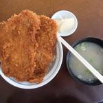 三峰神社正参道の茶店 大島屋 -