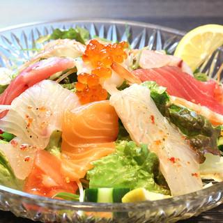 とんぼ(海鮮)サラダ