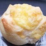 48777064 - 2016 中にチーズが入ったパン