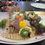 大望閣 - 料理写真:先ずはお造り、料理は新鮮な海の幸尽くしの会席料理です。