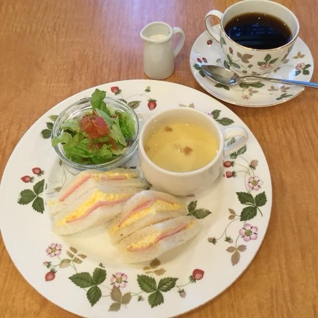 カントリーハウス英國屋 - モーニング   サンドイッチセット   648円