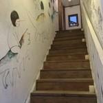 Cafe & Bar OZ - 階段を上がって2階へ