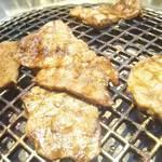 中村焼肉店 - ロース