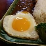 お食事処花茶碗 - ハート型の目玉焼き