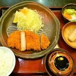 かつ榮 御殿場店 - 特選ロースかつ定食150g