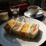 48785681 - 「『蘭王』のふわふわ玉子&ごまチキンチーズ (780円)」+「ホットコーヒー (200円)」