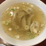 末ッ子 - 水餃子 スープうまい!