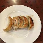 末ッ子 - 攻撃的な焼き餃子!