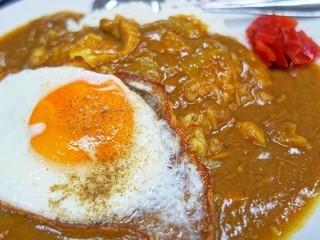 吉田食堂 - カリカリカリー  トッピングのカリカリエッグ
