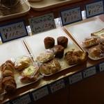 手作り パン工場 ロアール - 他にも手づくりのパンがたくさん