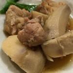秋田や - 里芋と鶏肉の煮物