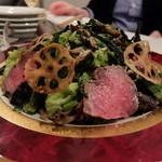 エル シロ - ローストビーフと庄子農園さんの野菜サラダ