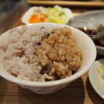 natural kitichen めだか - もちもち玄米ごはん&雑穀入り白ごはん(11穀米)