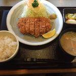 やわらかとんかつ かつ玄 - チキンかつ定食780円(税別)(2016年3月)