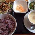 希舟航 - 薬膳プレート サラダ 茶碗蒸し おひたし 雑穀米