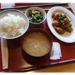山口柳井食堂 - 料理写真:ニンニクの芽の炒め物