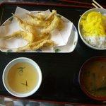 いただきさんの海鮮食堂 - キスの天麩羅とご飯と味噌汁で610円