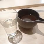 和海味処 いっぷく - 日本酒の種類に合わせてお猪口を変えます