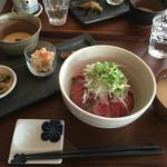 藤香想 - 肉のランチ 牛たたき丼セット