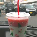 48804398 - 冬季限定メニュー サンタの苺ジュース