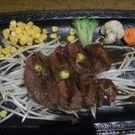 ビフテキ屋 まるり - 和牛牛ヒレステーキ定食 1990円