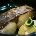ゆがわら 一二一 - 季節魚 一汐焼き 700円