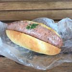 パン パティ こむぎのおはなし - ソルティドッグ 税込302円。 大きいソーセージが入ってます!