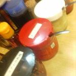 よこはま軒 - その他写真:備え付け調味料 プレミアム豆板醤、紅しょうが、無口臭にんにく、辛みそ