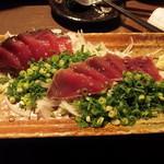 九州酒場 - 「枕崎産鰹の塩タタキ」イマイチ _| ̄|○     2016年薄桜記