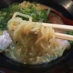 48812720 - ラーメン(650円)麺リフト