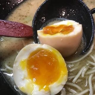あすの澪 - 料理写真:味玉割ってみた