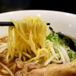 名古屋コーチンラーメン - 麺リフト
