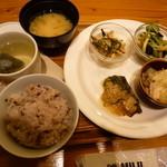 meal MUJI - デリ4種+十穀米+中国茶