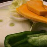 炭火焼江別ホルモン - 野菜が少なかったのさ。