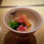 祇園 馬春楼 - 先付  筍と花ワサビのお浸し