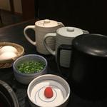 牛禅 - 薬味、ポン酢、割り下、昆布出汁)