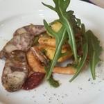 48829972 - 前菜の子海老とタラのフリット&猪のサラミ♥どらも美味!(*^^*)