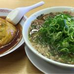 来来亭 - 背脂醤油の天津飯セット980円。甘くない餡かけでgood。