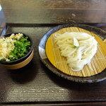 麺工棒 - ざるうどん(370円)