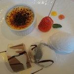 レストラン ラ・ペーシュ - デザートの盛合せ