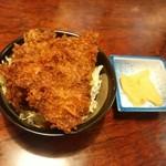 48841770 - 【2016.3.21(月)】ヒレ肉のミニソースカツ丼380円